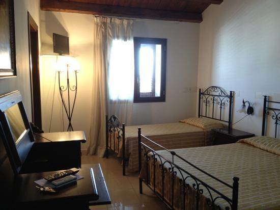 Hotel Aliai : stanza n.12