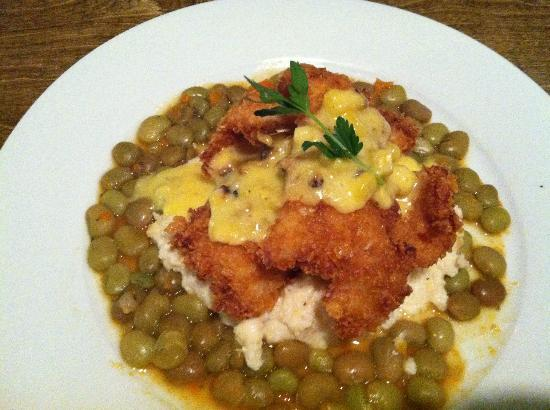 Stack's Coastal Kitchen: Fried flounder - excellent