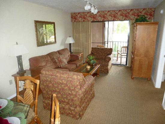 Polynesian Isles Resort - Master Bedroom