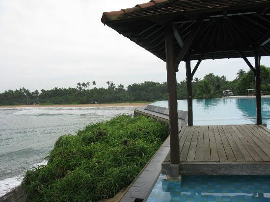 Saman Villas: бассейн