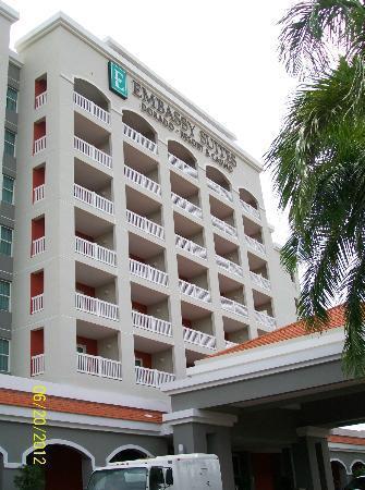 Embassy Suites by Hilton Dorado del Mar Beach Resort: hotel