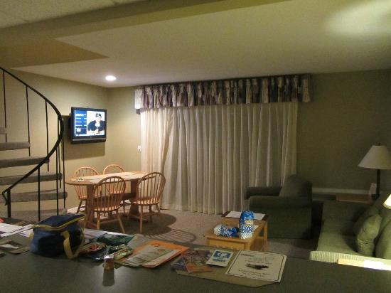 Tanglwood Resort: Living room