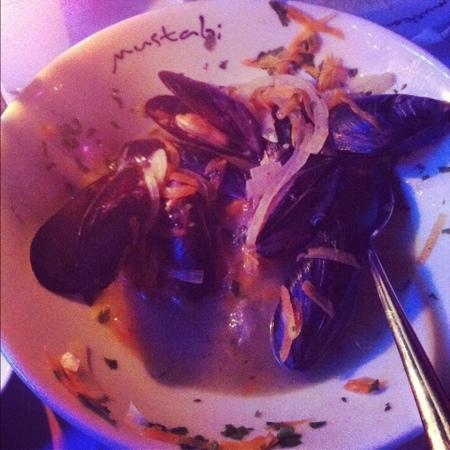 Mustabi: sicilyan usulu leziz beyaz sarap soslumidyeler ve gemici pilavi tadimi cok onemli !!!