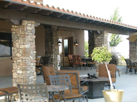 Villa Nel Mondo Bed & Breakfast: Outside seating