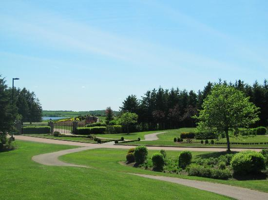 Fox Harb'r Resort : Golf Course and Entrance