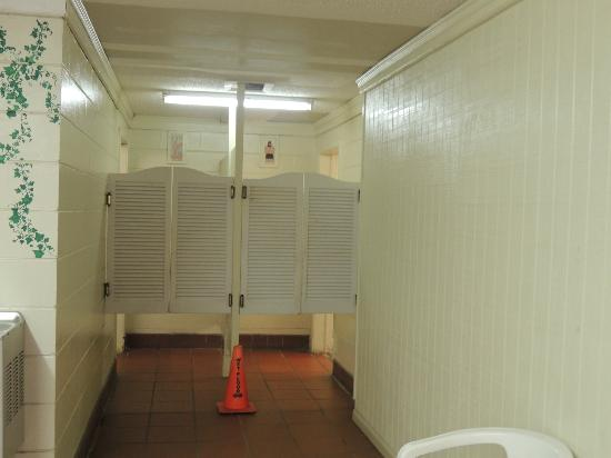North Beach Camp Resort : Entrance to restrooms off the laundry area in the main building