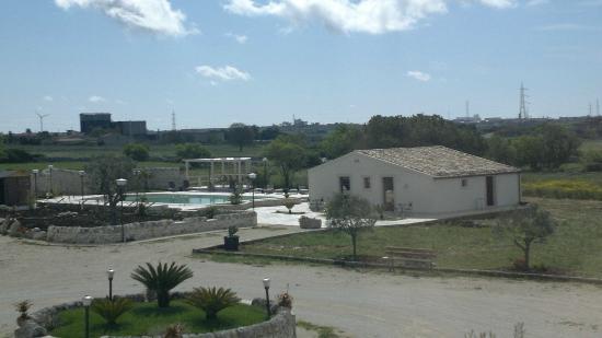 Artemisia Resort: Il panorama dalla nostra finestra 1