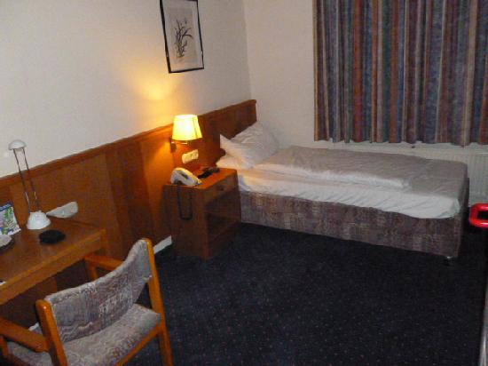 Hotel Garni 'Bei der Esplanade': room pic 1