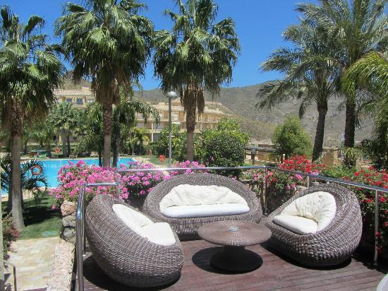 Vincci Hotel Envia Almeria Wellness & Golf: Terraza chillout