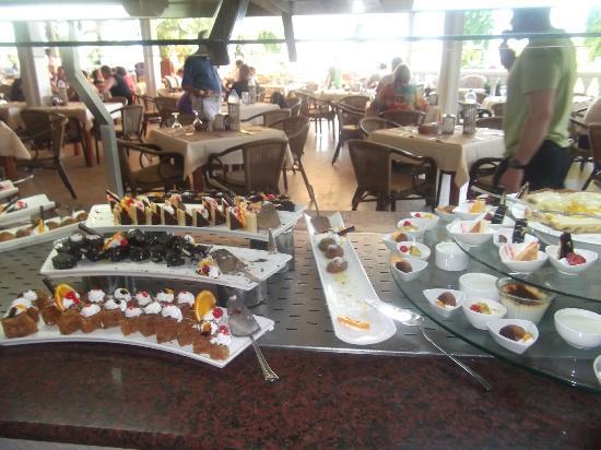 Letoonia Club & Hotel: Amazing selection of desserts