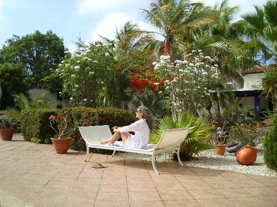 Club Arias B&B: Hermoso jardin..
