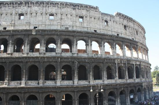 Drive Around Italy - Day Tours : Joseph took us to a nice view of The Colosseum