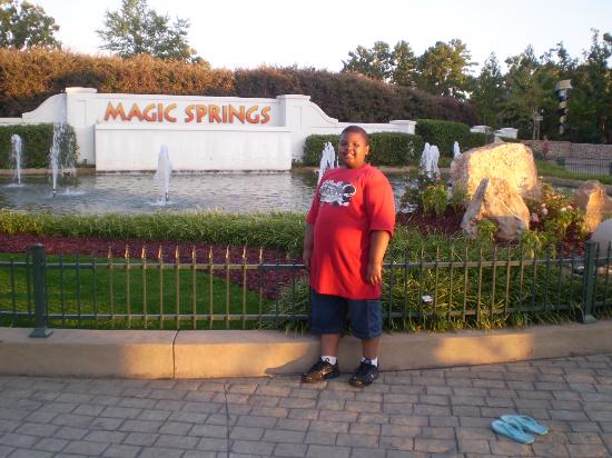 Magic Springs Theme and Water Park : the enterance