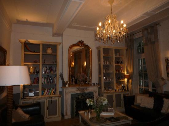Hotel De Vigniamont: Le salon et salle du petit déjeuner