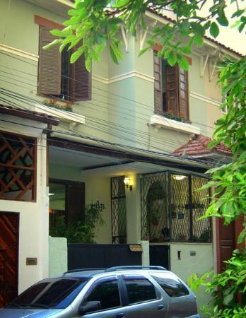 El Misti House: Frente de El Misti House