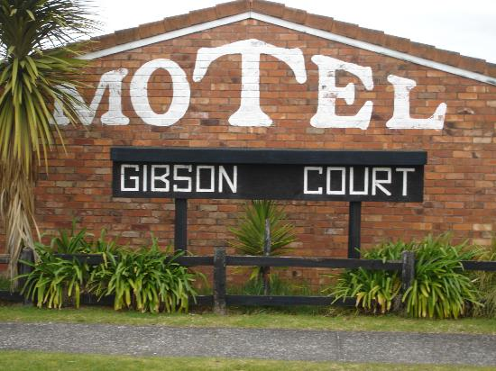 Gibson Court Motel: Soak your troubles away in a mineral hot tub - no chlorine.