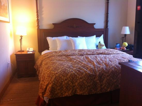 Homewood Suites by Hilton La Quinta: The beds are soooo soft & comfy! Aaaaah!