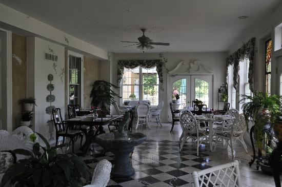 Elk Forge B&B Inn, Retreat and Day Spa: Great place to eat breakfast!