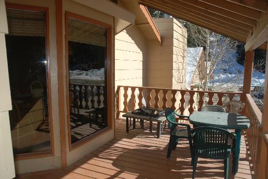 Black Mountain Lodge: Private Deck