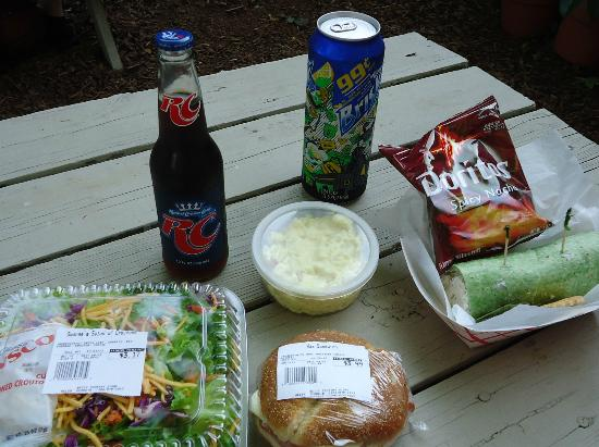 Betty's Country Store: Lunch for 2