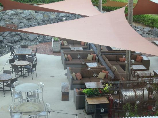 Iron Horse Hotel: The Yard Outdoor Patio And Bar