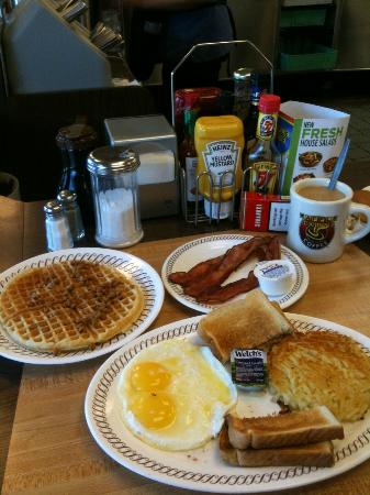 Waffle House: My delicious breakfast