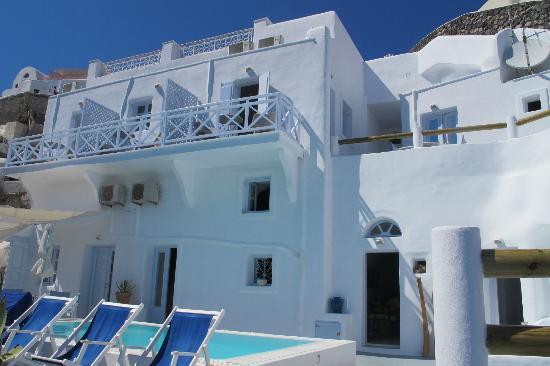 Caldera Villas: Balcony
