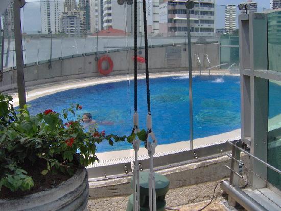 Radisson Decapolis Hotel Panama City: piscina del hotel Decapolis