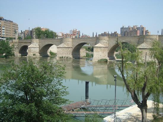 Vista del Ebro desde la basílica del Pilar