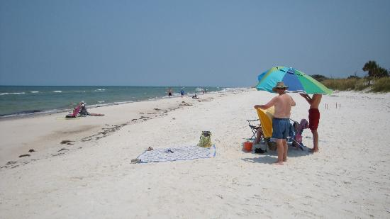 St. Joseph Peninsula State Park: The beach crowds on a holiday weekend!