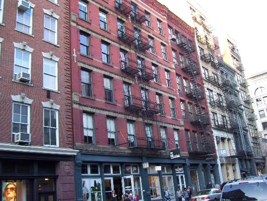Solita Soho Hotel: Soho's buildings