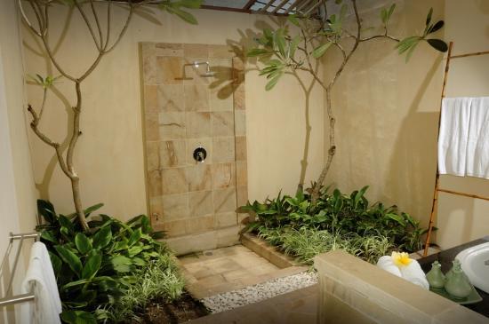 Stormrider Surfcamp Bali: Double Room Bathroom