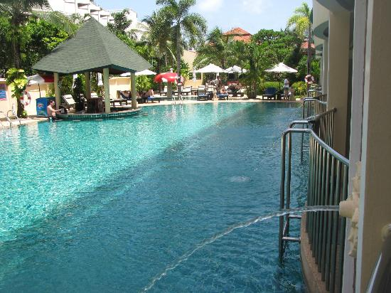 Karon Sea Sands Resort & Spa: pool access room