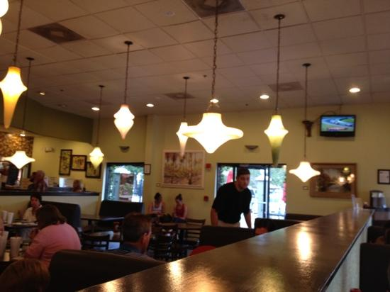 The Loop Pizza Grill : Another view of the dining room