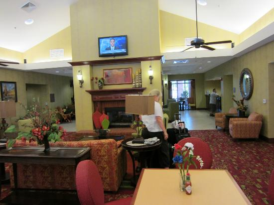 Homewood Suites by Hilton, Medford: Breakfast area