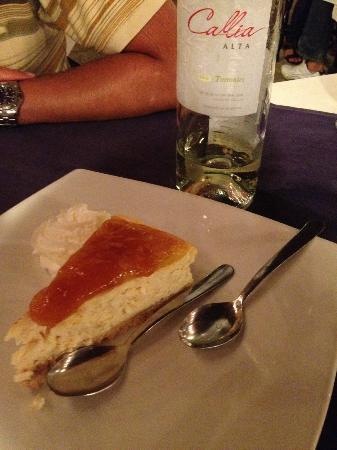 Patagonia : mango cheesecake