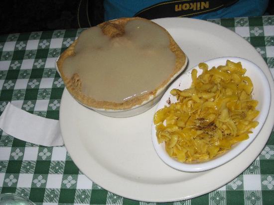 Good 'N Plenty Restaurant: Pot Pie, butter noodles