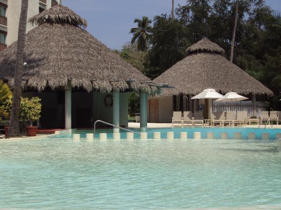 Gamma de Fiesta Inn Plaza Ixtapa: pool