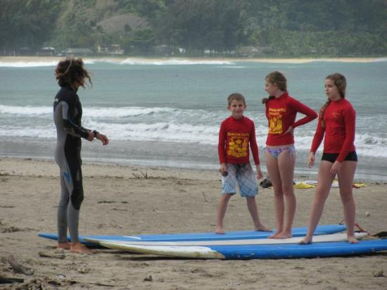 Hawaiian Surfing Adventures : James teaching