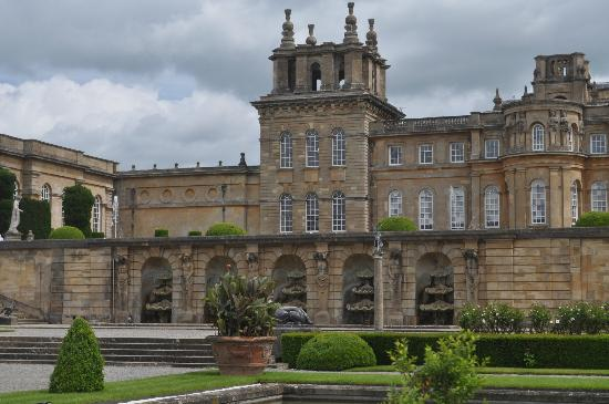 Woodstock, UK: Blenheim Palace main entrance