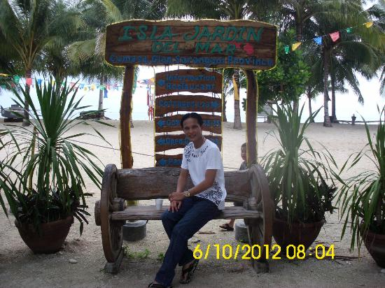 Sarangani Island: Main entrance of the Resort...