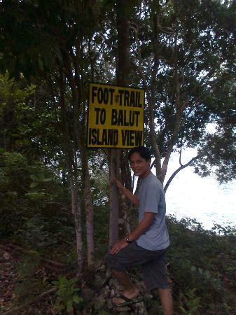 Sarangani Island: Trail to balut island...