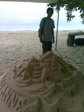 Sarangani Island: Sand Castle, just like in boracay...