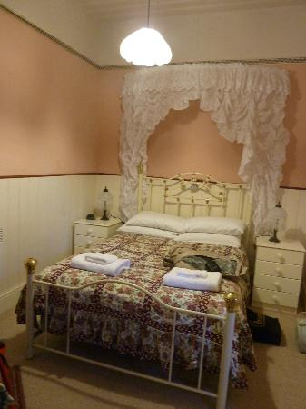 Norfolk Bay Convict Station: The bedroom of the Post Office suite