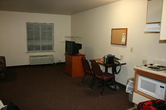 WoodSpring Suites Shreveport Airport : room