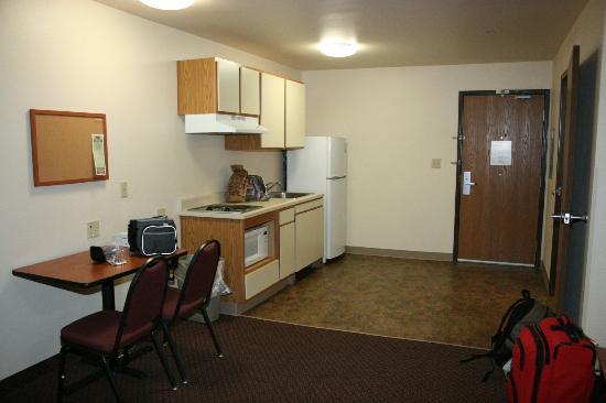 WoodSpring Suites Shreveport Airport : kitchenette