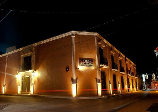 hotel colonial la aurora: Hotel