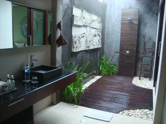 Chandra Luxury Villas Bali: 2 Bedroom Villa Bathroom
