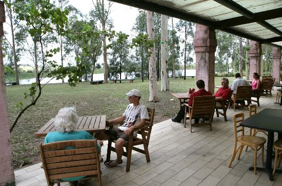 Australian Regional Food Cafe & Store : Tranquil bushland setting in the heart of Hunter Wine Country
