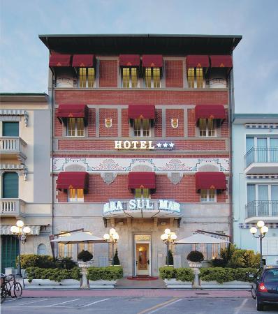Hotel Alba sul Mare: facciata esterna